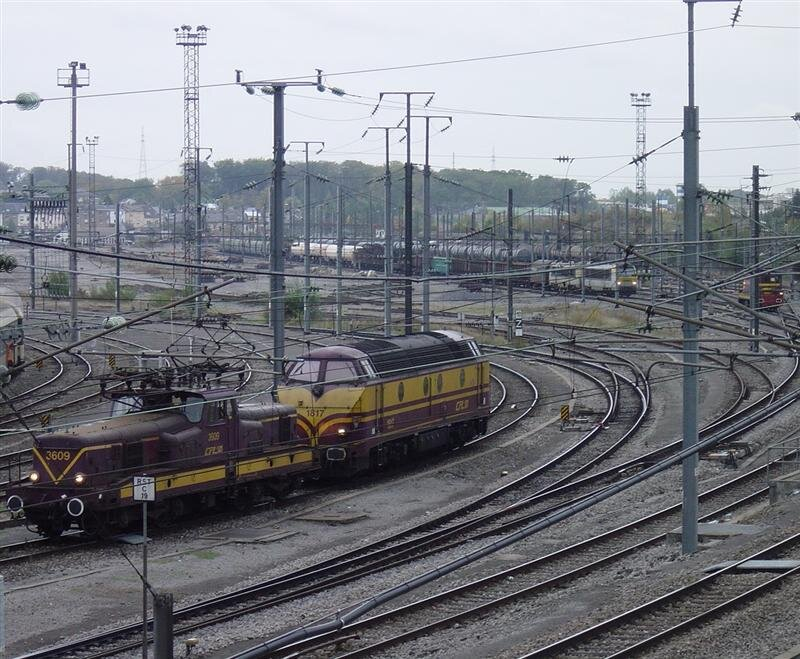 ClBa_cfl_3609-1817_lux-depot_08102003