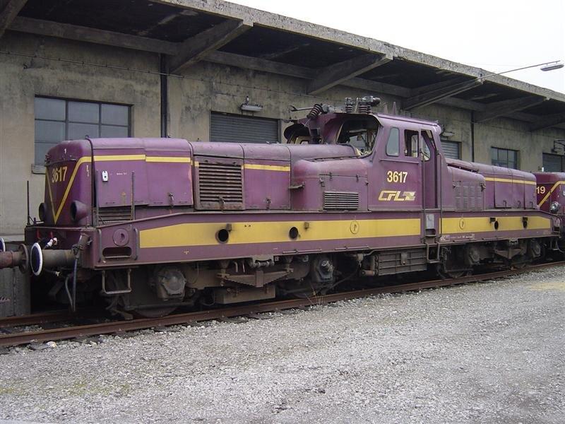 ClBa_cfl_3617_lux_depot_050304