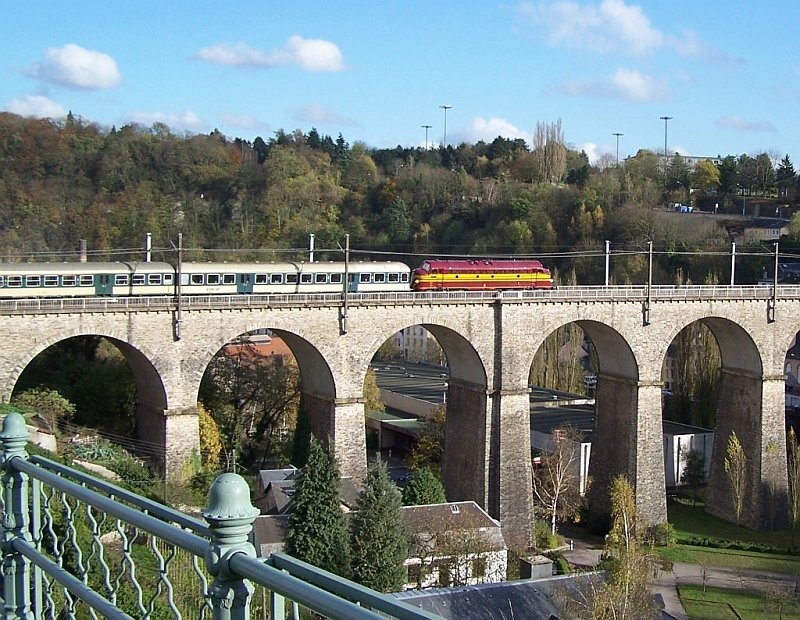 DiAc_007_-_1604_op_sleep_viaduct_luxemburg_06-11-2005