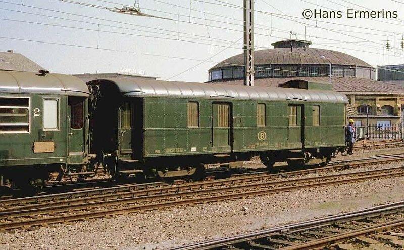 HaEr_nmbs_wagon_luxemburg_07041984