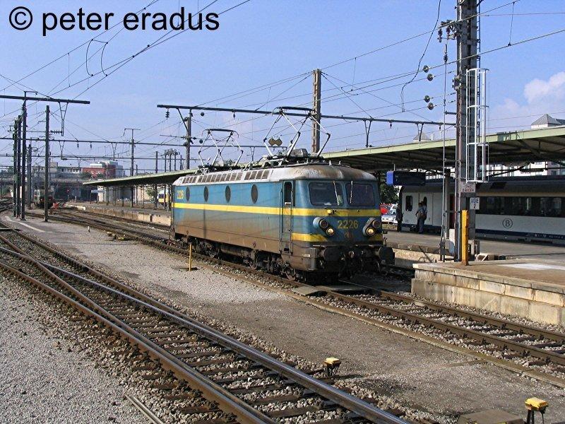 PeEr_003__nmbs_e-lok_2226_luxemburg_15-08-2004