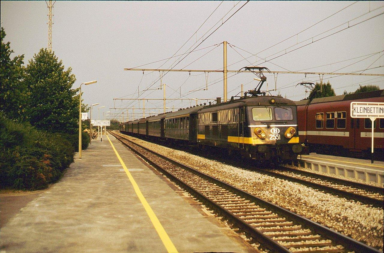 PeVe_nmbs_2552speciale_trein_in_kleinbettingen_dd_25081990