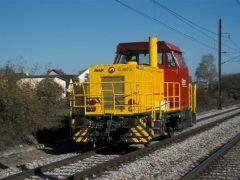 In een stralend herfstzonnetje nadert een van de nieuwe diesels G 400 B het station van Berchem.