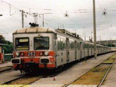 De beide Moulinex driewagenstellen de 262 en de 261 staan aan elkaar gekoppeld bij het opstelterrein. CFL 261 is de ex SNCF 6169 gebouwd in 1966. Inmiddels staat het stel definitief buiten dienst. Slechts de middenbak is nog bruikbaar en geplaatst in CFL 253. Hiermee is het stel verlengd tot een drietje.