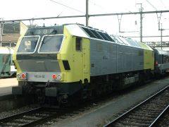 Electrische problemen leverde CFL ME26-02 een opmerkelijk klusje op. De Dispo mocht een Franse loc serie 15000 met de trein naar Parijs binnenbrengen op spoor 4.